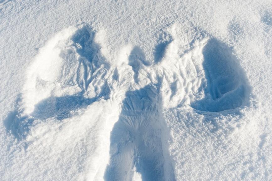 Snowy angel background